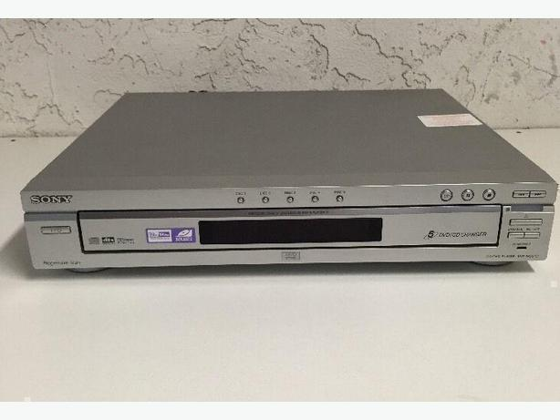 SONY 5 Disc CD/DVD Player