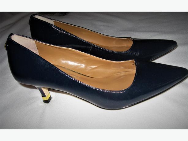 Greenbelt Women Shoes