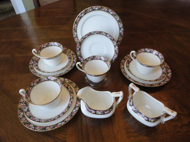 Antique! 14 Pieces Royal Grafton Tea (Coffee) Set, Pompadour Pattern