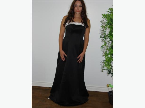 NEW PROM OR BRIDESMAIDS DRESS