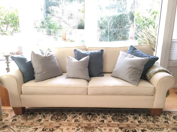 7 ft long cream fabric sofa saanich victoria Cream fabric sofa