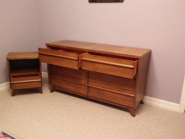 3 piece solid wood bedroom furniture dressers bedside table gloucester gatineau. Black Bedroom Furniture Sets. Home Design Ideas