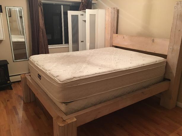 queen size serta mattress and boxspring victoria city victoria. Black Bedroom Furniture Sets. Home Design Ideas