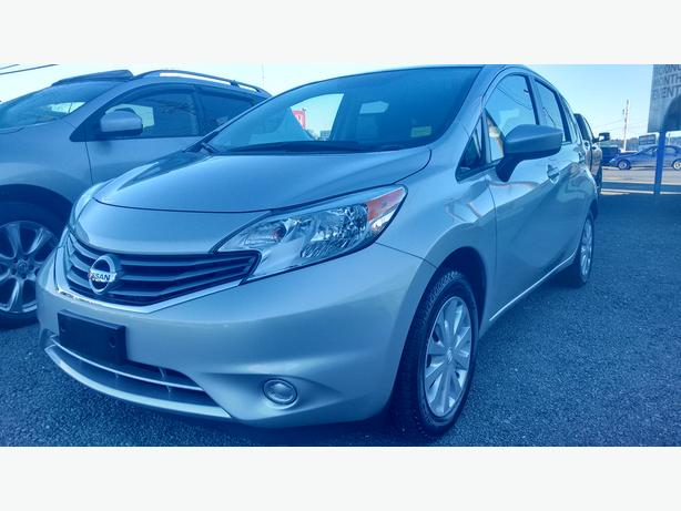 2015 nissan versa note sv bluetooth back up camera great on gas outside victoria victoria. Black Bedroom Furniture Sets. Home Design Ideas