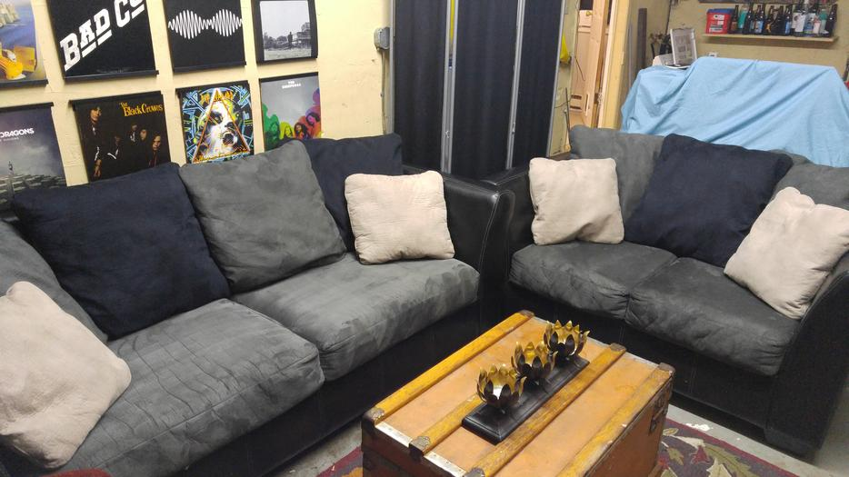 Ashley Furniture Grey Amp Black Couch And Loveseat Esquimalt