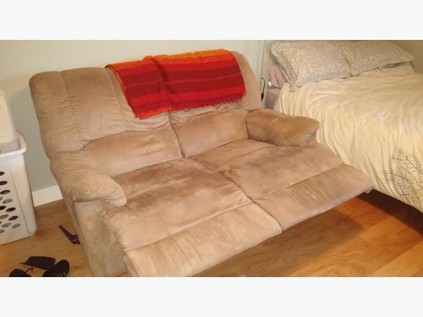 Reclining Loveseat Victoria City Victoria