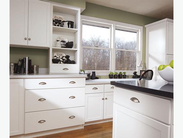 New white shaker kitchen cabinet kanata ottawa mobile for Kitchen cabinets ottawa