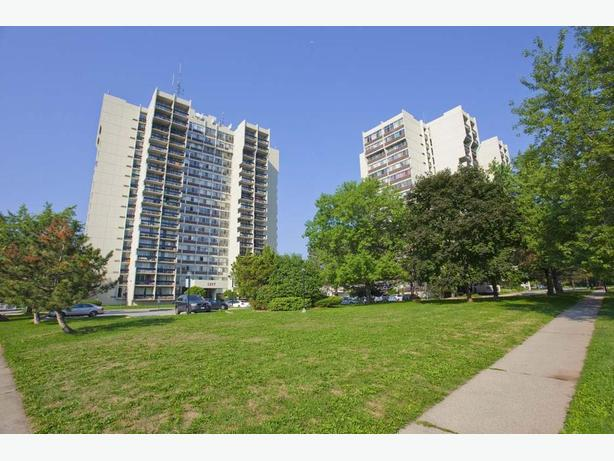 Avail. Feb  Nice  2 bedrooms Oakville White Oaks Apartments