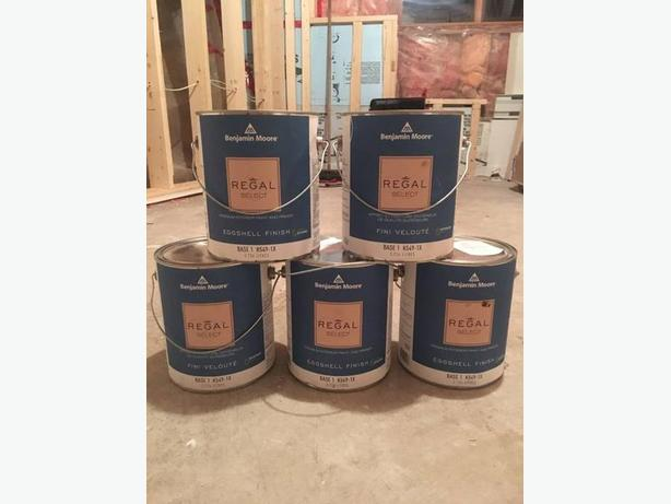 log in needed 60 5 one gallon cans of benjamin moore paint regal. Black Bedroom Furniture Sets. Home Design Ideas