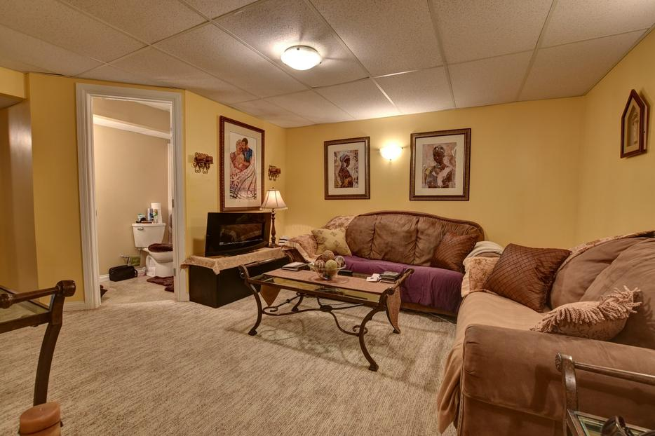 Reduced 1234 wessex place affordable 4 bedroom condo for 3 bedroom with finished basement