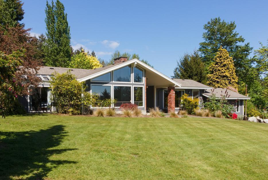 Country estate of acres with beautiful 5 bedroom home for 7 summerland terrace