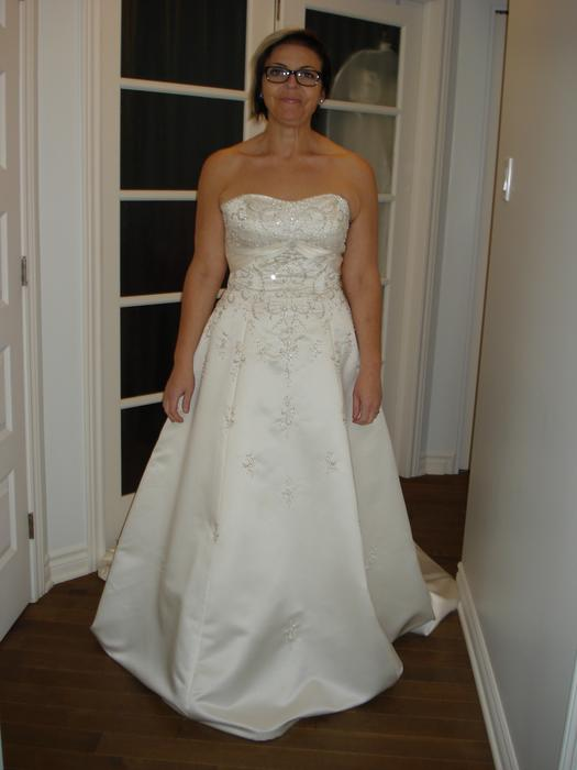 Inexpensive wedding dresses gatineau sector quebec ottawa for Wedding dress stores ottawa