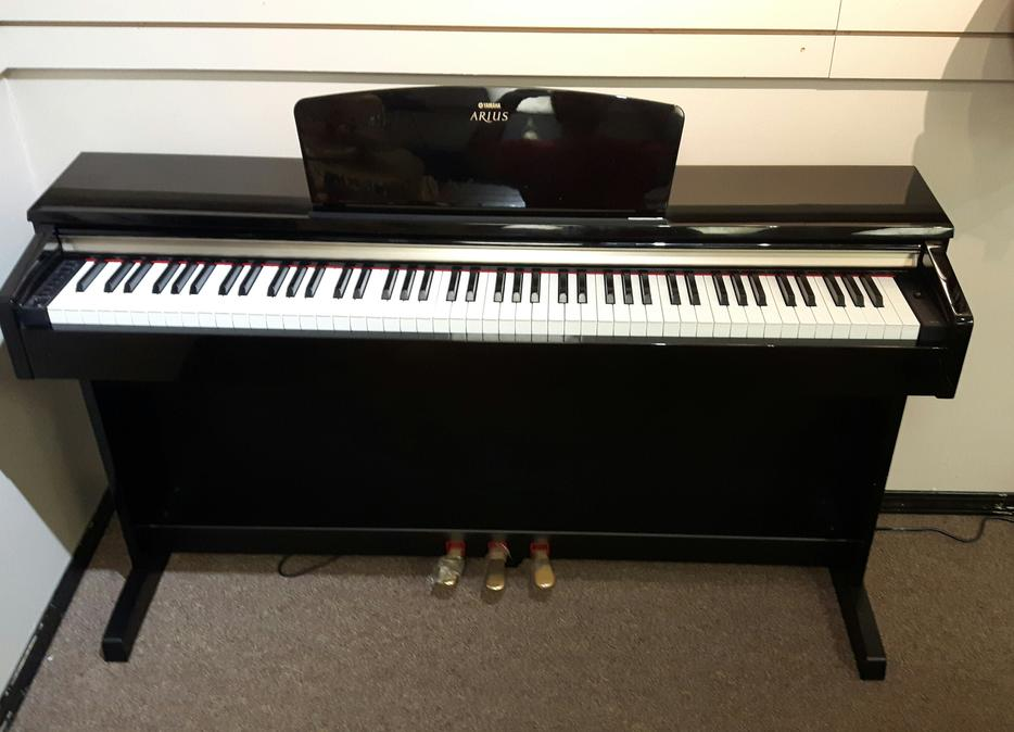 Yamaha arius ydp c71 digital piano outside victoria victoria for Yamaha piano store winnipeg