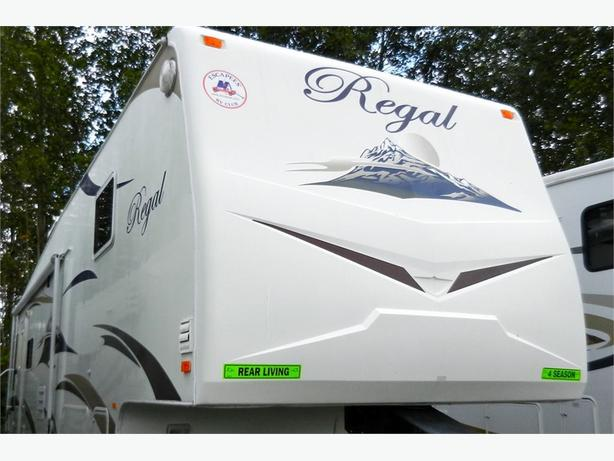 2007 Fleetwood RV REGAL 305 RLS - All ready to hit the road in co... -