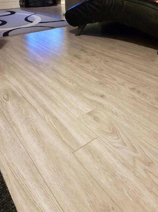 Grey 12mm laminate flooring north regina regina for Laminate flooring waterloo
