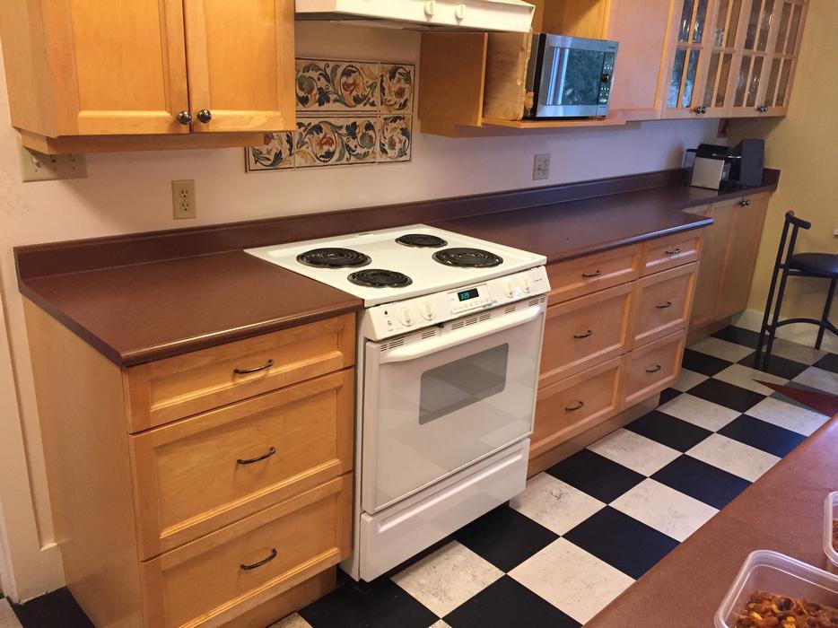 Kitchen cabinets saanich victoria for Kitchen cabinets victoria