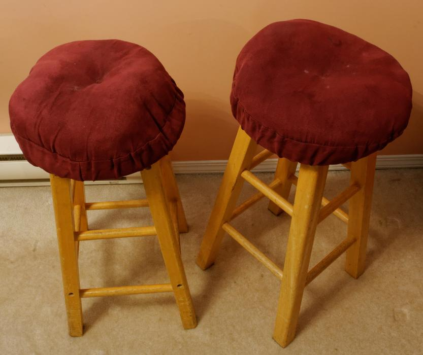 2 Wood Bar Stools Saanich Victoria Mobile