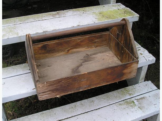 Vintage gardening box or tool box victoria city victoria for Gardening tools victoria