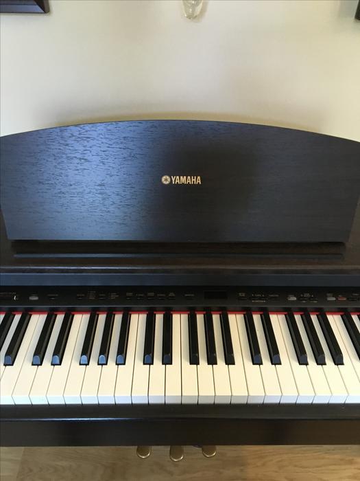 Yamaha piano saanich victoria for Yamaha piano store winnipeg