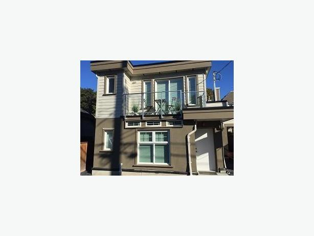 Beautifully Furnished 2 Bed/2 Bath Laneway House #735