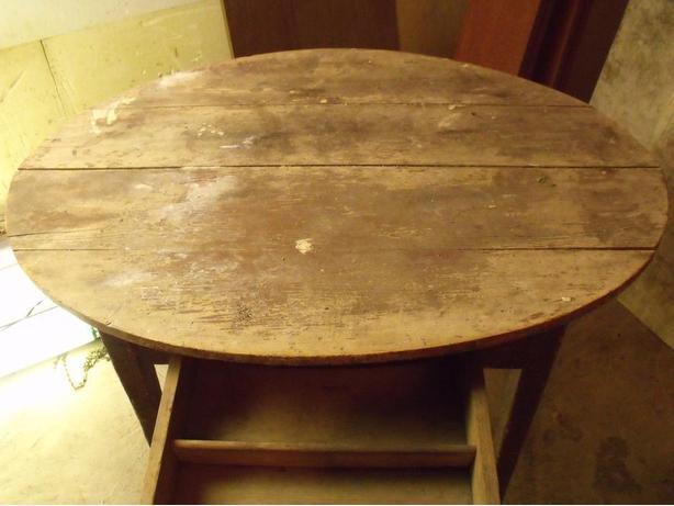 ANTIQUE TABLE DESK