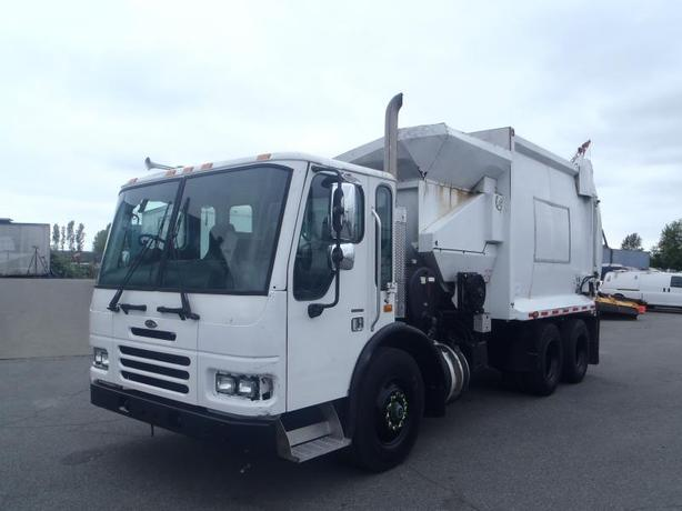 2005 Sterling Condor Garbage Truck