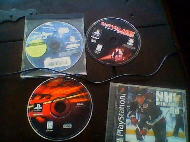 4 PLAY STATION GAMES