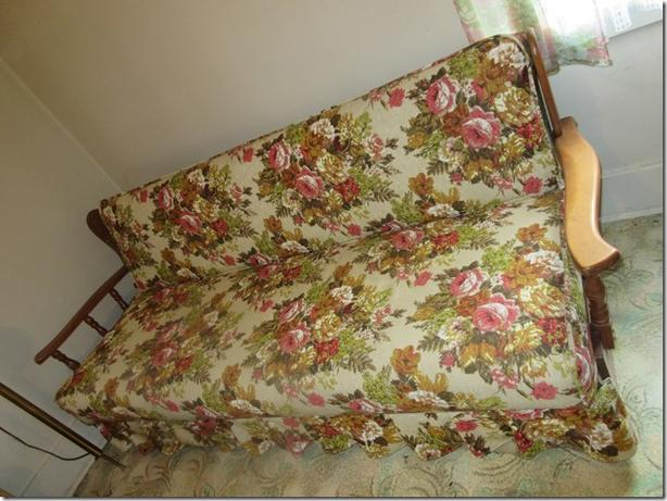 Vintage Couch/bed