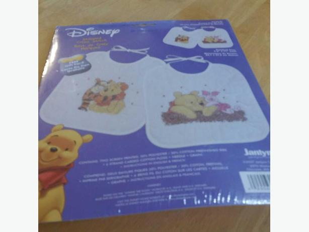 DISNEY SNOOZY DAY BIB PAIR