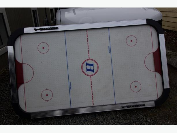 Great and sturdy air hockey table