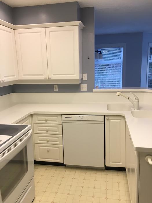 Complete kitchen cabinets esquimalt view royal victoria for Kitchen cabinets york region