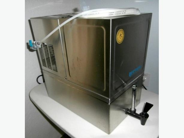 WEST BEND Premium Water Distiller with Storage Tank