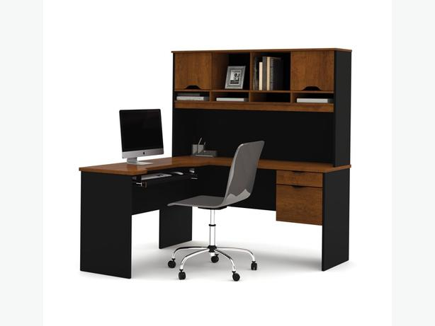 cherry and black staples desk, great condition