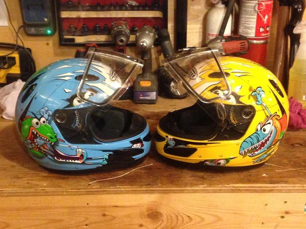 gmax youth medium monster snowmobile helmets