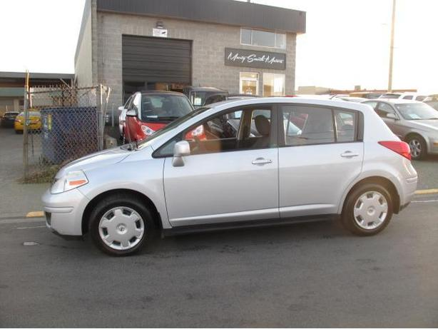2007 Nissan Versa,two owner,winter tires,immaculate