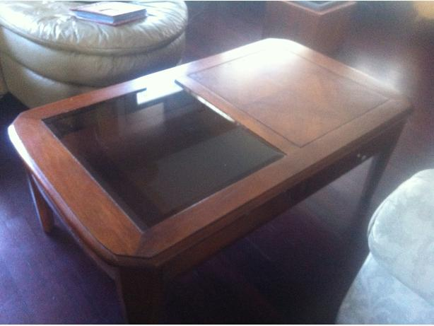 Solid wood Coffee Table w/ drawer $40