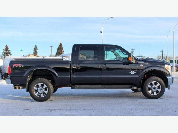 2016 ford super duty f 350 crew cab lariat 4x4 diesel navigation prince albert saskatoon. Black Bedroom Furniture Sets. Home Design Ideas
