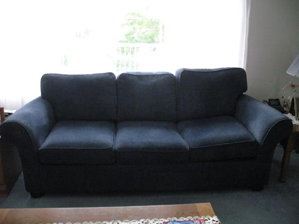 Great condition Couch & Loveseat