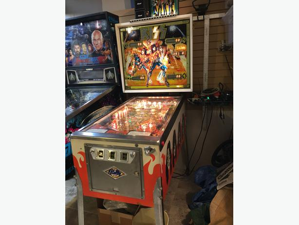 Bally KISS Pinball Machine