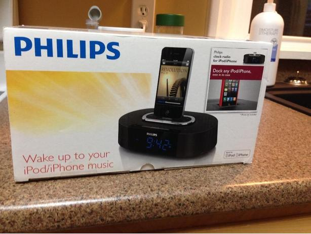 Phillips ipod clock radio doc brand new in box never opened 30 pin $50
