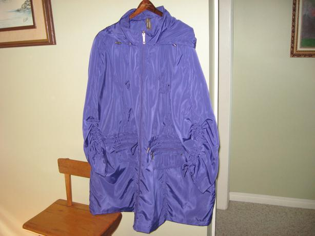 Rain and wind coat size 4x