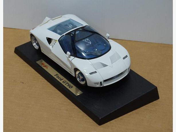 """Ford GT90"" Die-Cast 1:18 Scale Model by Maisto – Good Condition"