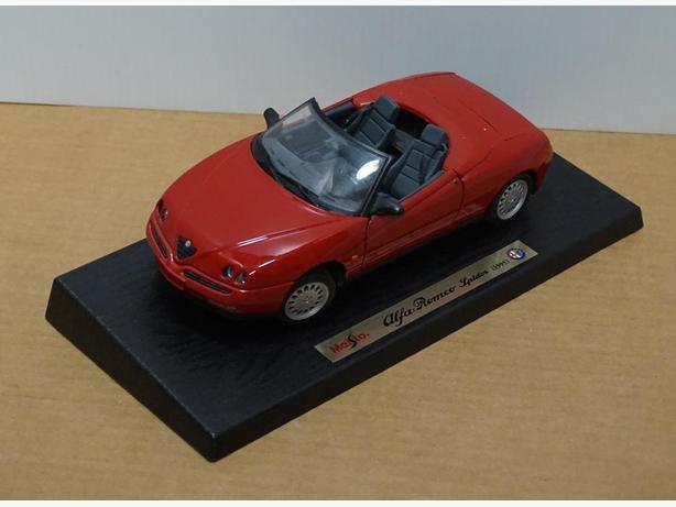 """Alfa Romeo Spider 1995"" Die-Cast 1:18 Scale Model Maisto – Good Condition"