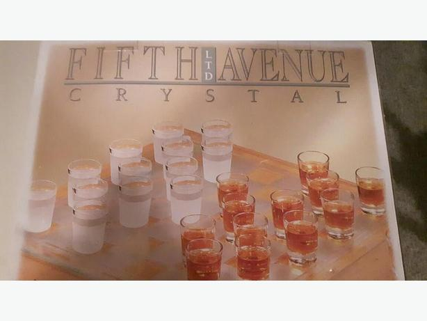 Fifth Avenue Crystal Shot Glass Checkers Game set
