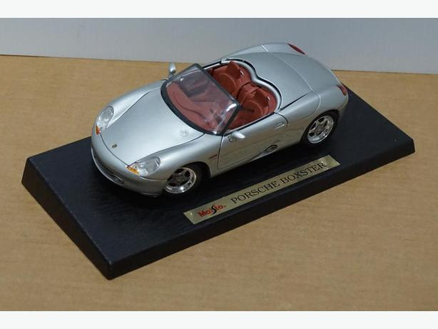 """Porsche Boxster"" Die-Cast 1:18 Scale Model by Maisto – Good Condition"