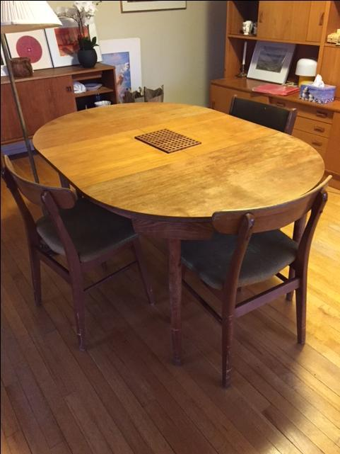 OPEN TO OFFERS Vintage teak expandable dining table mid  : 57516229934 from www.usedvictoria.com size 481 x 641 jpeg 39kB