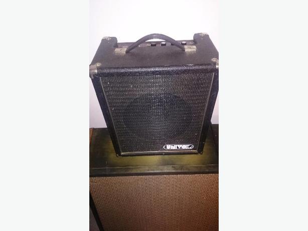 "vintage univox ""champ"" tube amp"