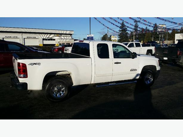 Beautiful 2009 Sierra 1500!!