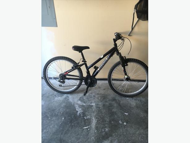 youths road bike