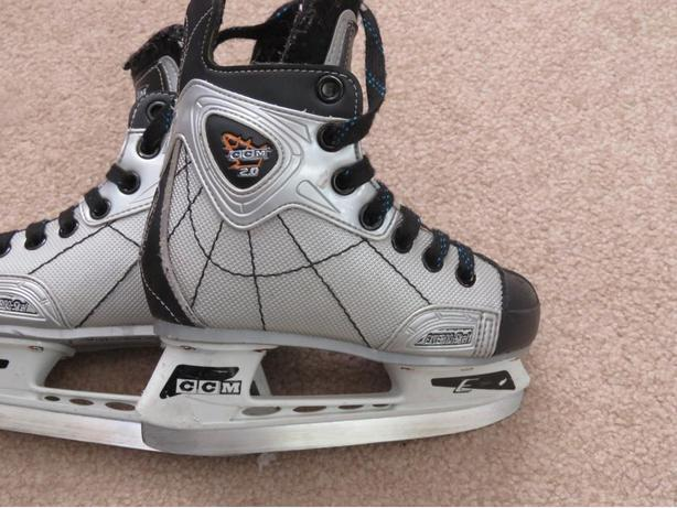 Hockey Skates CCM